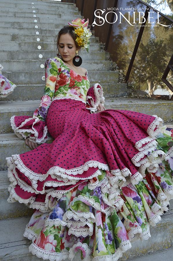traje-rosa-fucsia-flores-3